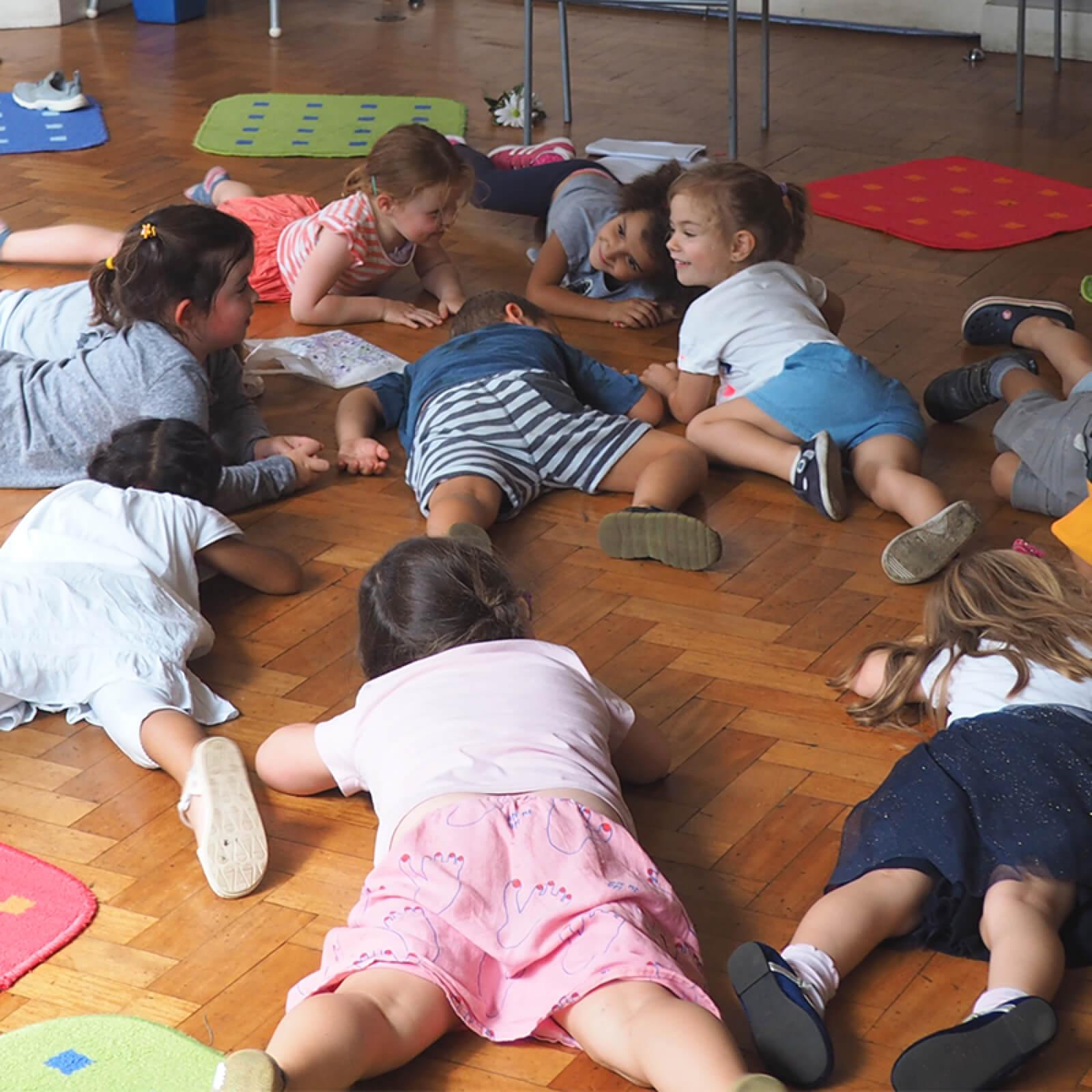 smalltalk-children-on-floor